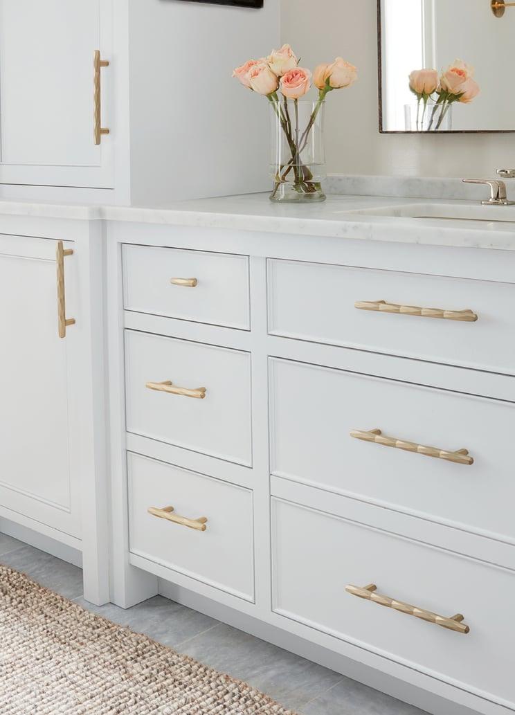 Golden-Champagne_Bar-Pull-Knob_Amerock_Cabinet-Hardware_St-Vincent_Bathroom_2017.jpg